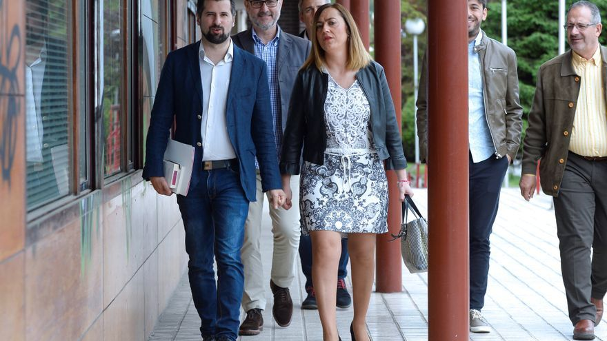 El líder del PSOE de Castilla y León, Luis Tudanca, junto a su número dos, Virginia Barcones.