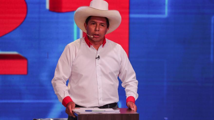 Pedro Castillo mantiene una ligera ventaja sobre Keiko Fujimori en Perú