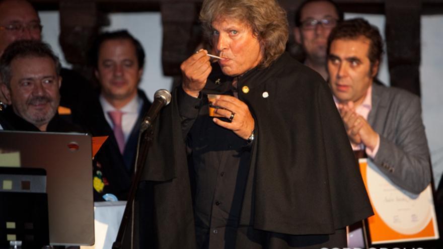 José Mercé, tras prometer como embajador del salmorejo   MADERO CUBERO