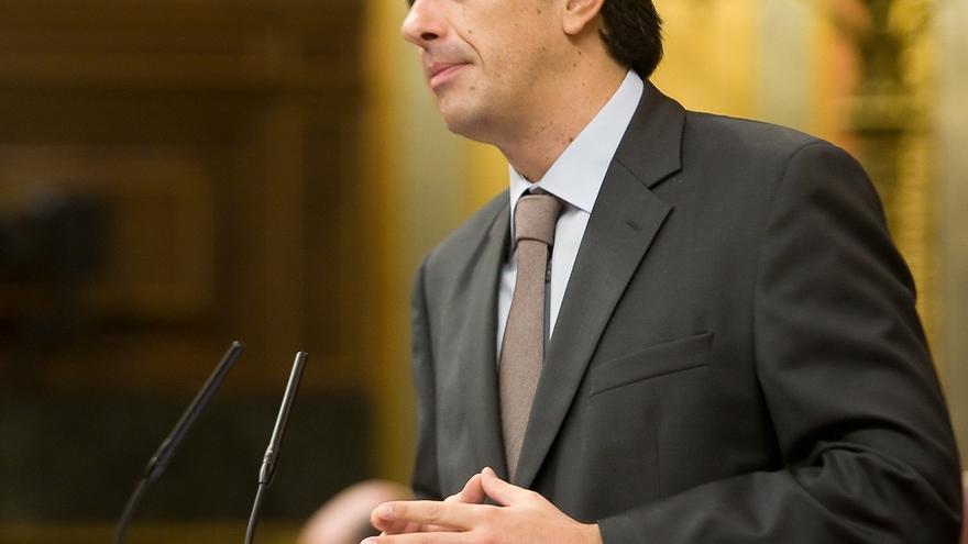 El PP pide otra vez la dimisión de Duran y le afea que defienda sólo a empresas catalanas cuando viaja con el Congreso