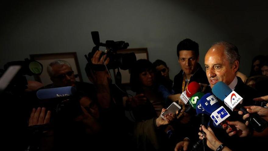 Camps y Cotino defienden la gestión del accidente de metro de Valencia