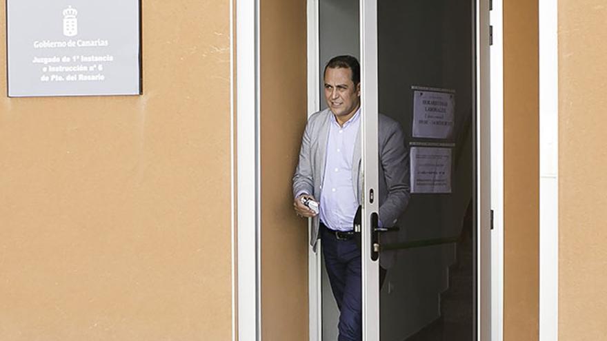 Blas Acosta, a la salida de los juzgados. (Gabriel Fuselli)