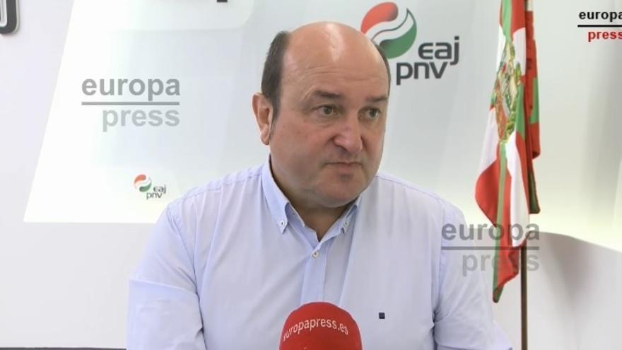 """Ortuzar (PNV) cree que ahora EH Bildu """"gana enteros"""" cuando los vascos iba a poner a Otegi """"en un sitio malo"""""""
