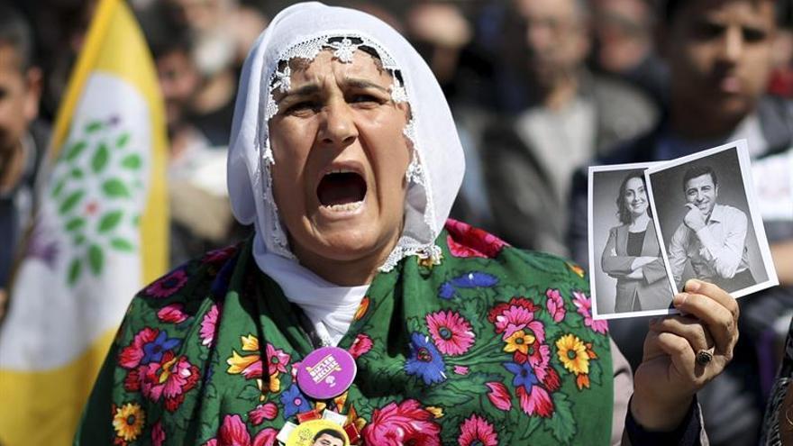 Turquía detiene a supuestos yihadistas para evitar ataques en el referéndum