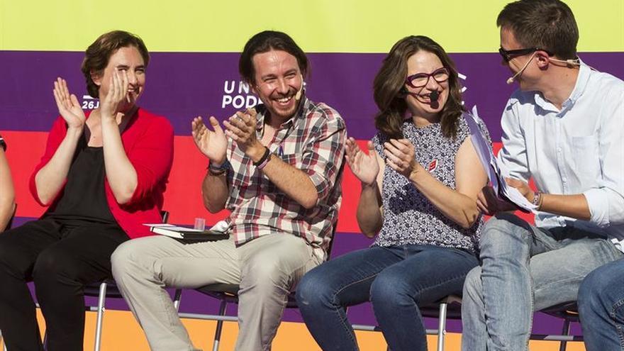 Iglesias ignora al PSOE y se muestra convencido de que ganará al PP el 26J