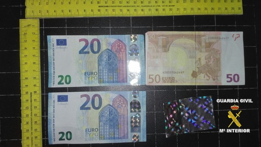 Detenidos tres vecinos de Maliaño por usar billetes falsos en la zona oriental de Asturias