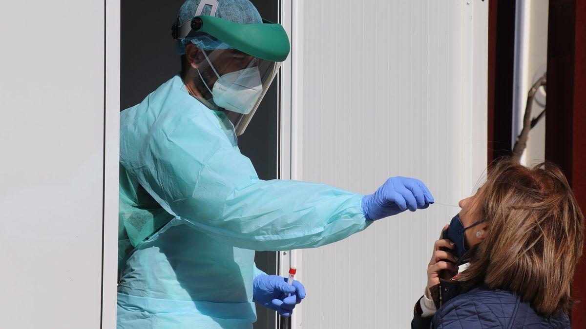Cáceres, con 14 casos, es la localidad que notifica más contagios este martes