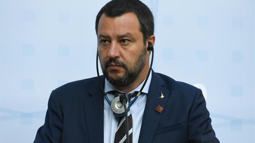 Salvini pide que la UE intervenga o Italia llevará a los migrantes a Libia