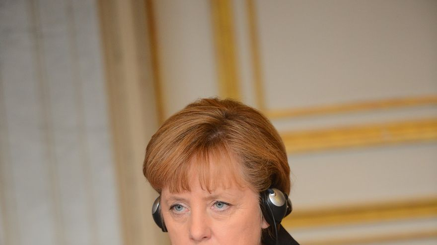 Merkel da la nota