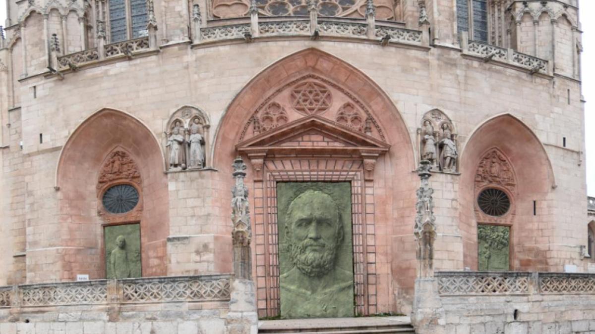 Previsión de cómo quedarán las puertas de la fachada de Santa María, en la Catedral de Burgos.