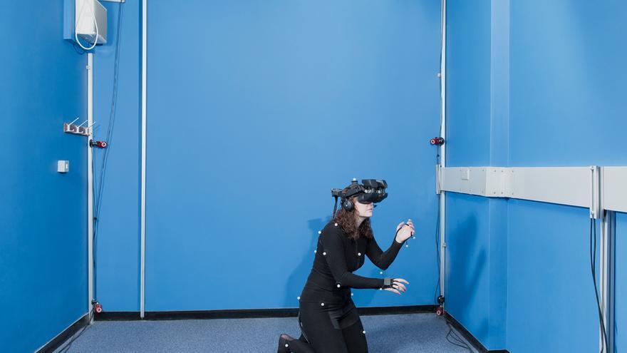 La neurocientífica Caroline Falconer estudia cómo la realidad virtual puede ayudar a las personas que padecen depresión