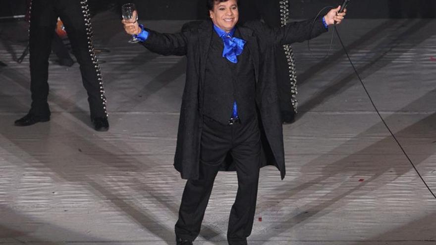 Juan Gabriel desplaza a Justin Bieber como el artista más popular en YouTube