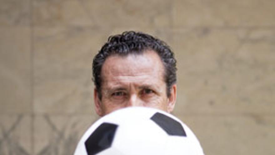Jorge Valdano. Fotografía: Fabio Cundines / Lino Escuris