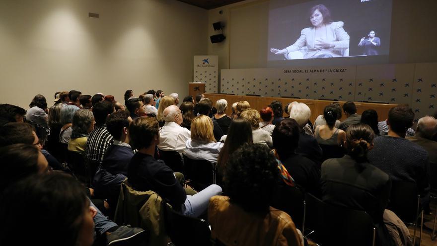 Sala habilitada para seguir el debate entre Carmen Calvo e Íñigo Errejón para las personas que no lograron entrar en la principal