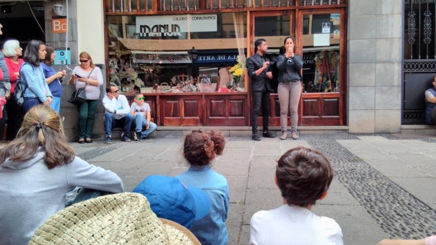 Las calles de Puerto de la Cruz se llenaron de multitud de escenarios durante el festival Mueca
