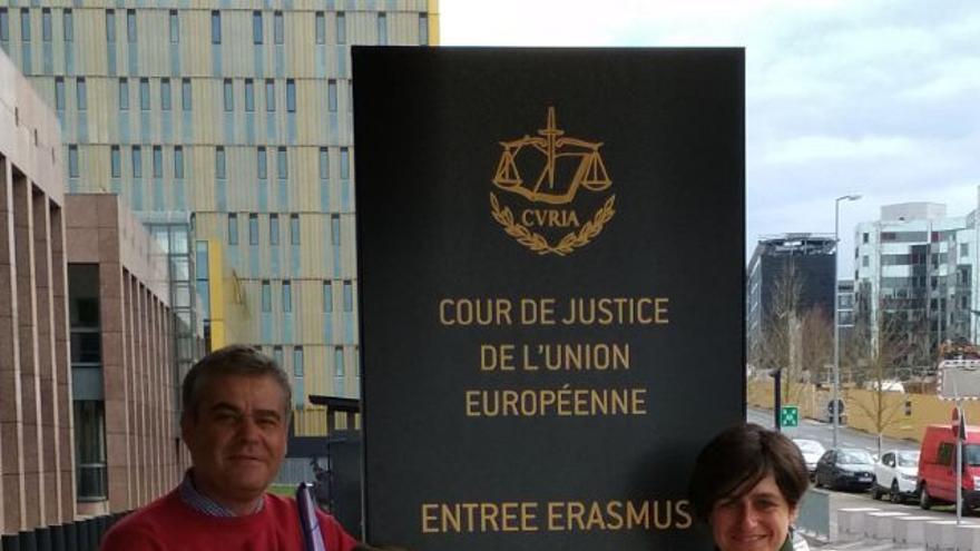 Javier Donate (Abogado) y Sara Merino, representantes de STE-CLM ante el tribunal Europeo de Justicia (Bruselas, 11 de abril 2018)