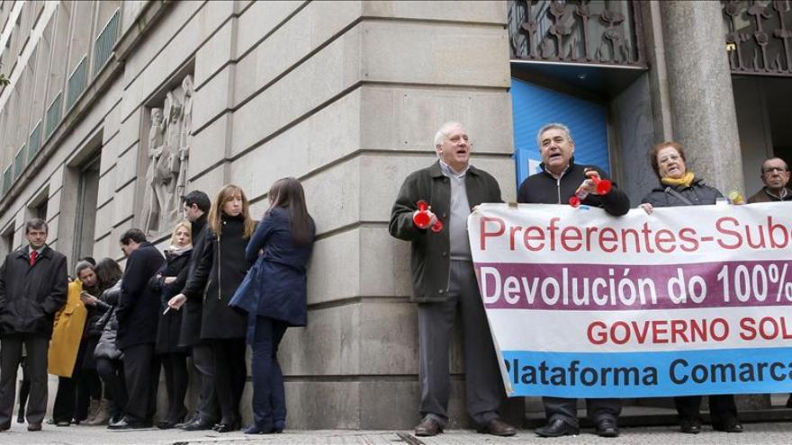 Los sindicatos denuncian que Novagalicia Banco no les informa sobre el ERE