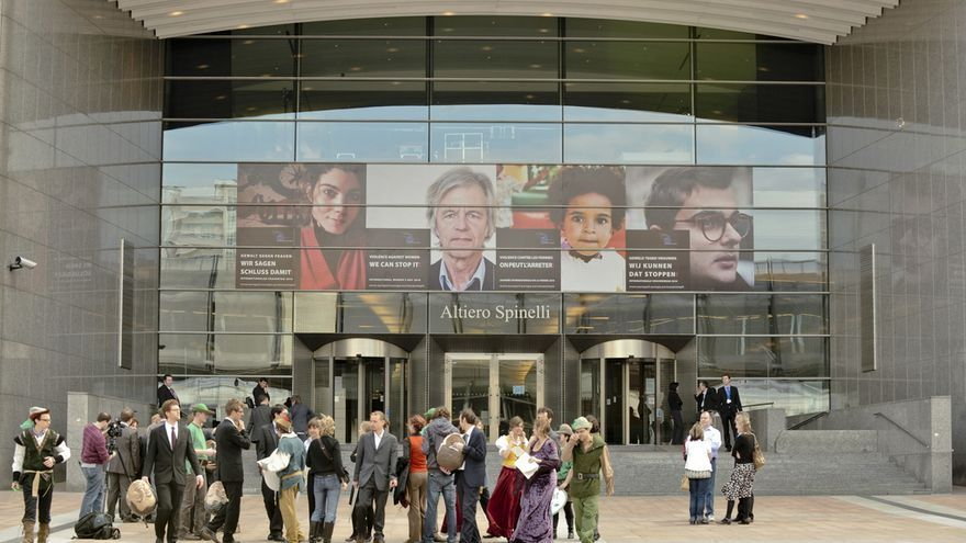 Entrada del edificio Alterio Spinelli de la sede del Parlamento Europeo en Bruselas.