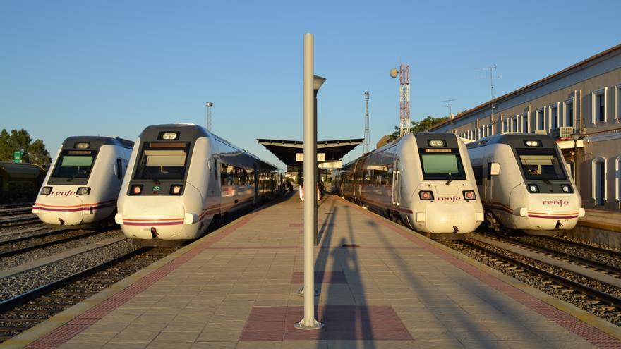 Trenes media distancia estación Mérida