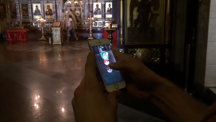Pokémon Go en la iglesia