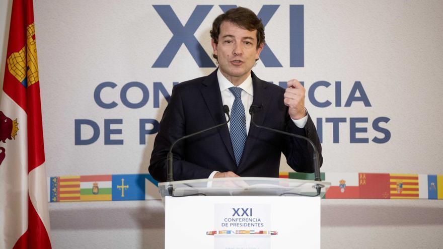 El presidente de la Junta de Castilla y León en la conferencia de presidentes autonómicos.