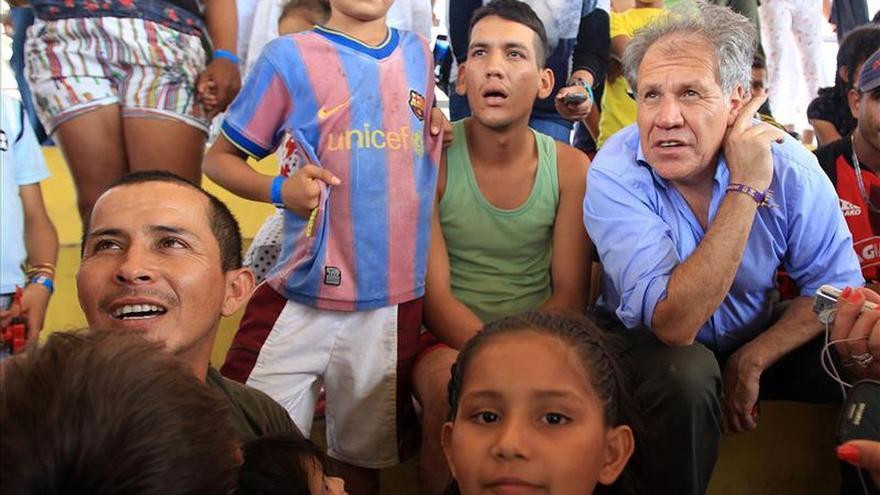 Almagro urge a Colombia y Venezuela a reunificar las familias de expulsados