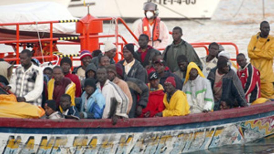 Imagen de archivo de una patera que llegó a las Islas.