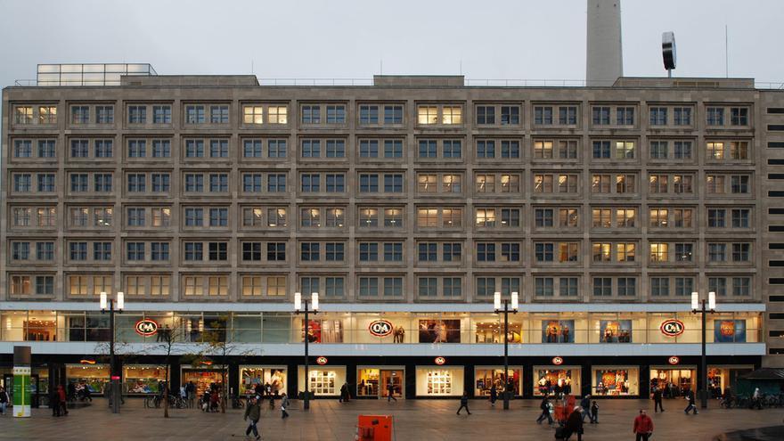 Uno de los edificios de Peter Behrens, de los años 20/ Wikimedia Commons.