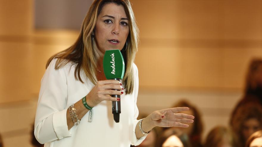"""Susana Díaz alerta de que la derecha """"asalvajada"""" que es el PP de Casado está """"blanqueando a la extrema derecha"""""""