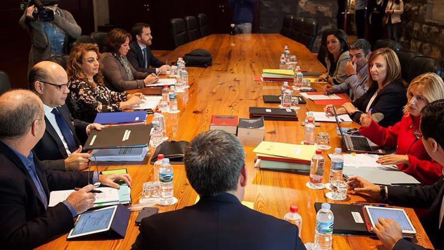 El presidente del Gobierno de Canarias, Fernando Clavijo presidie el Consejo de Gobierno celebrado en Santa Cruz de Tenerife.