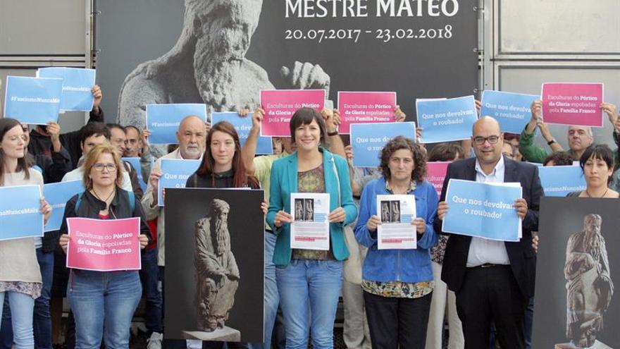 El BNG exige que familia Franco devuelva dos figuras del Pórtico de la Gloria