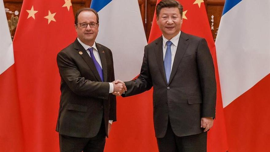 Hollande anuncia reunión entre Francia, Alemania, Rusia y Ucrania este mes