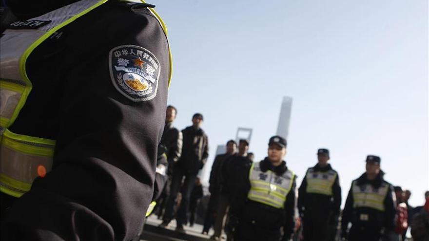 La policía china mata a tiros a dos personas en el noreste del país