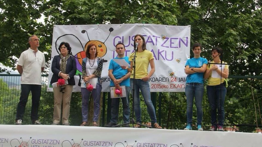 Un momento de las intervenciones en la Fiesta de la Escuela Pública vasca.