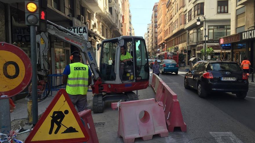 Obras de la calle San Vicente, esquina con San Agustín y avenida del Oeste