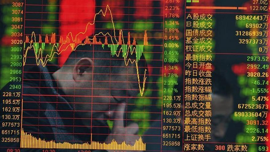La Bolsa de Hong Kong pierde un 0,28 % a media sesión