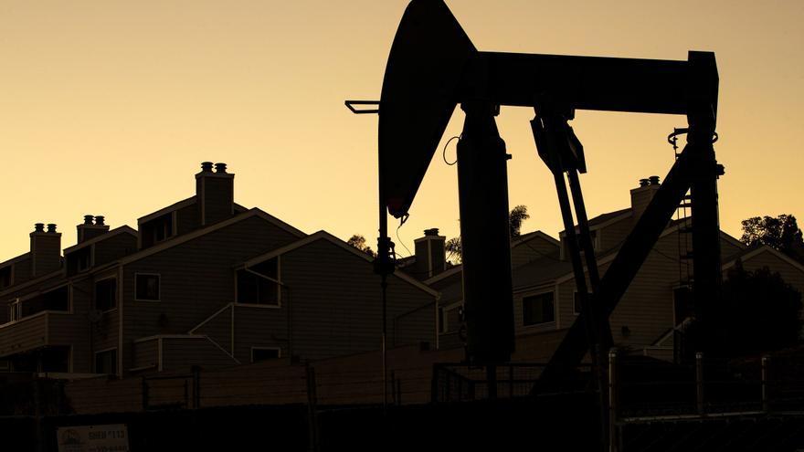 El petróleo de Texas abre con un descenso del 2,27 % hasta 60,73 dólares