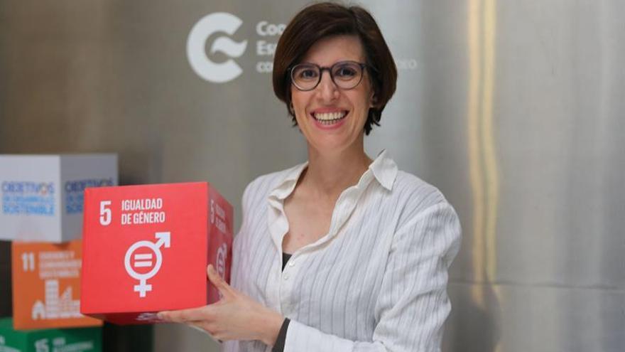 Física española promueve en Uruguay dar más visibilidad a las mujeres en la ciencia