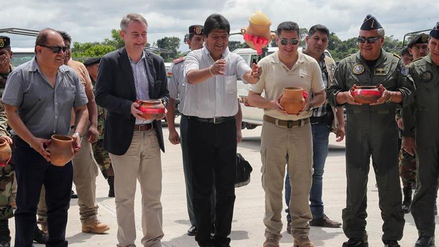 La UE dona 30 vehículos a la fuerza boliviana de erradicación de coca ilegal