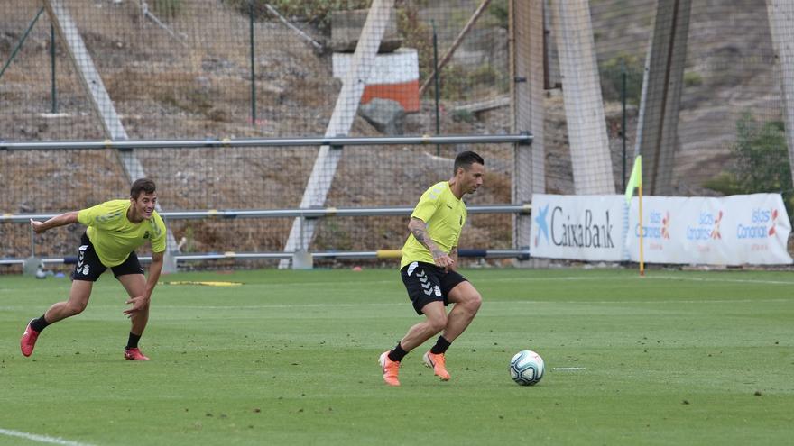 Rubén Castro durante un entrenamiento con la UD Las Palmas en Barranco Seco.