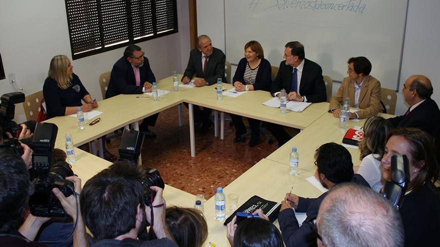 Un momento de la reunión de Mariano Rajoy con los miembros de la Mesa por la Educación en Libertad