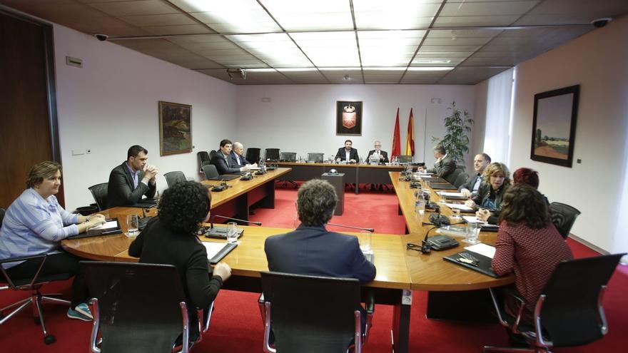 Enrique Goñi abrirá el 13 de abril la fase de comparecencias de la comisión de investigación sobre Caja Navarra