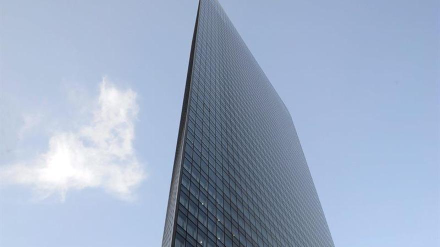 Gigante nipón Dentsu fue investigado 10 veces antes de suicidio de empleada