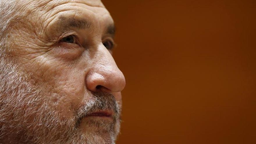 Stiglitz ve 2017 peor que 2016 por el proteccionismo y la incertidumbre con Trump