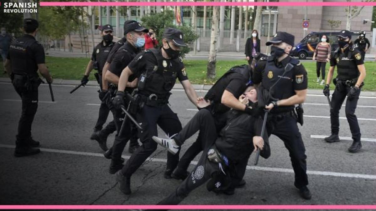 Cargas policiales contra lxs vecinxs en Vallecas 24 sept