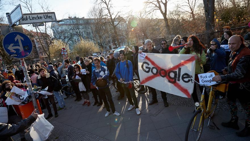 Manifestación contra la presencia del futuro campus de Google en el barrio de Kreuzberg, Berlín, el 6 de abril.