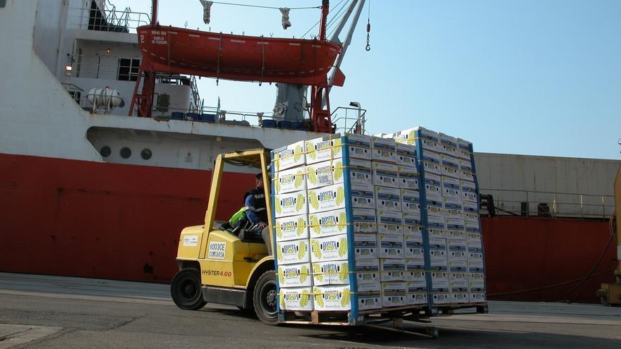 Los puertos andaluces aglutinan la mitad de suministro de frutas y verduras de toda España