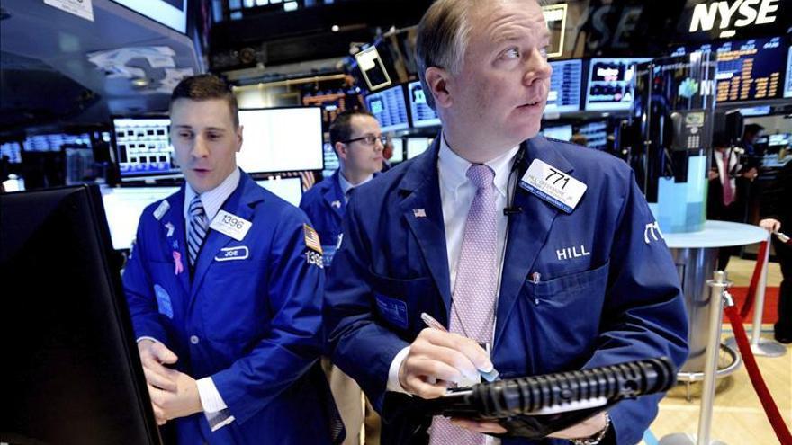 Wall Street abre mixto y el Dow Jones pierde un 0,28 por ciento