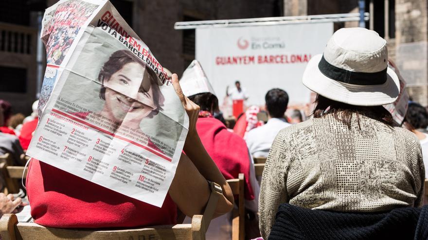 Míting de Barcelona en Comú a la Plaça del Rei / ENRIC CATALÀ