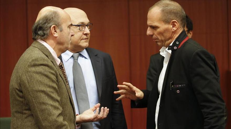 El Eurogrupo y Grecia alcanzan un acuerdo sobre la ayuda financiera